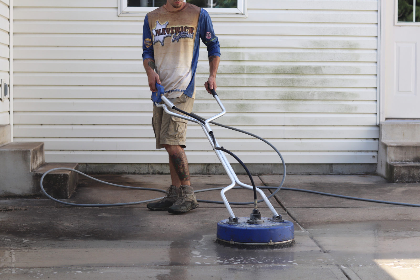 Softwashing vs Pressure Washing